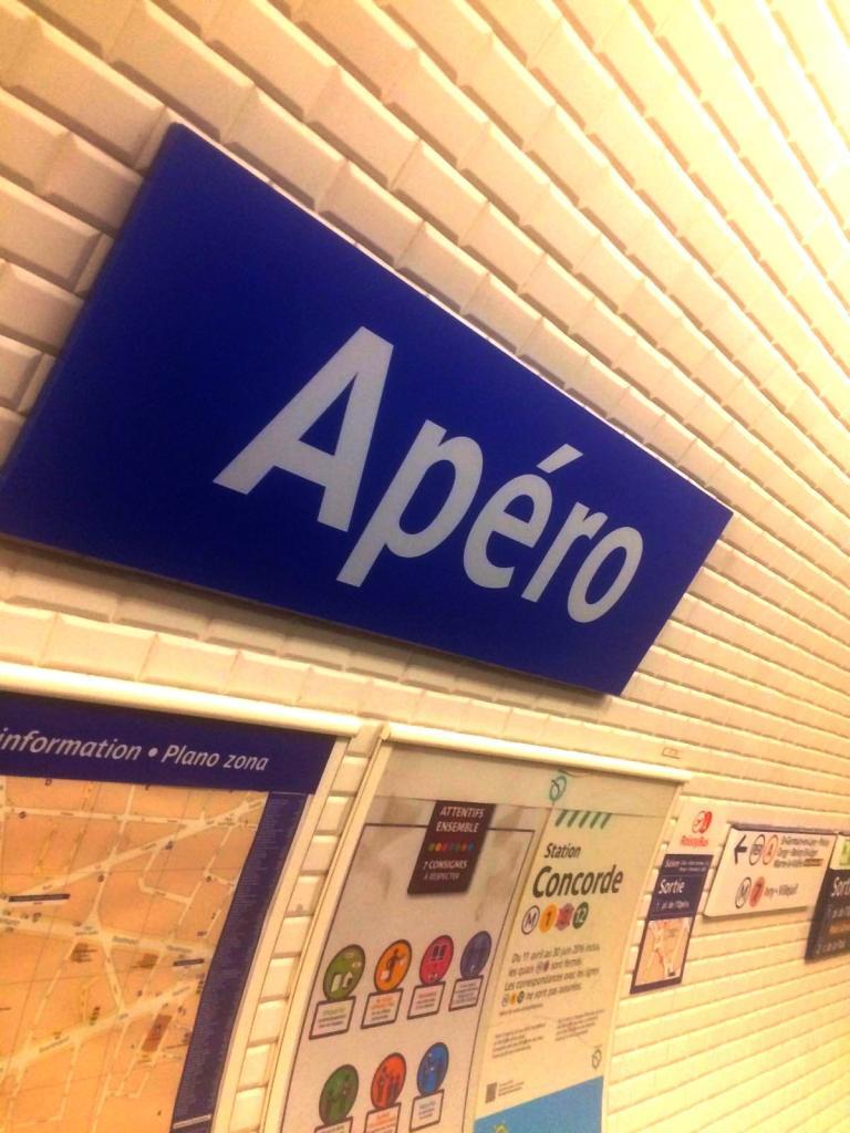 Photo d'un nom de station de métro changé pour le 1er avril